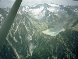Flug durch die Alpen